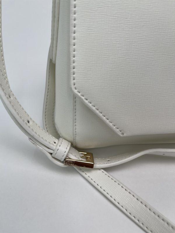 Сумка женская белая Cavalli Class деталь
