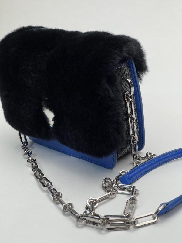 Сумка Cavalli Class женская синего цвета с черным мехом